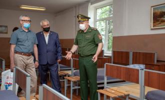 Директор пообщим вопросам АО«ТЯЖМАШ» посетил сборный пункт вгороде Сызрани